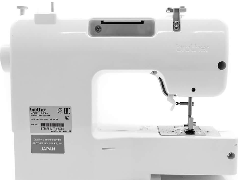 Электромеханическая швейная машина Швейная машина Brother LS200s